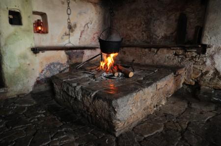 C¦îrna kuhinja Pri Kus¦îc¦îarju v C¦îadrgu